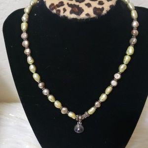 Jewelry - Multi colored necklace